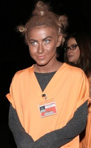 Julianne-Hough-Black-Make-Up-Halloween